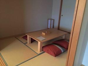和洋室内にある和室。布団3組敷けます