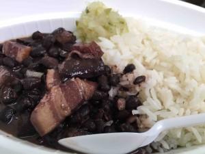 ブラジルの定番料理フェイジョアーダ