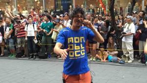 Pedro Luis(ペドロ・ルイス)が歌いながらパレードするという豪華さにびっくり