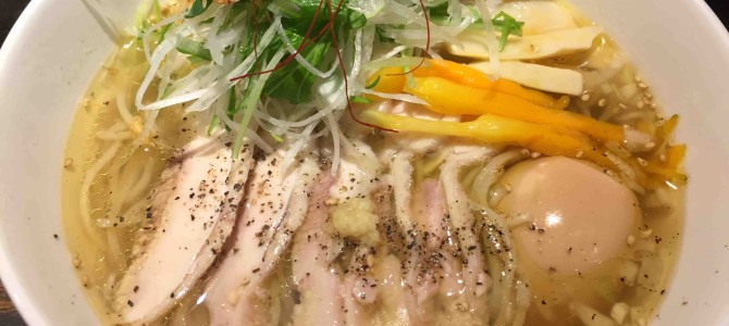 東京に初雪が舞いました。寒すぎる。。。そうだ、こんな日は「鷹流」の白鶏麺(パイチーメン)を食べに行こう@東京・高田馬場