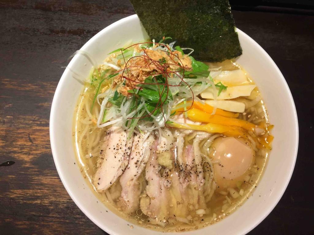 鷹流白鶏麺パイチーメン高田馬場ラーメン