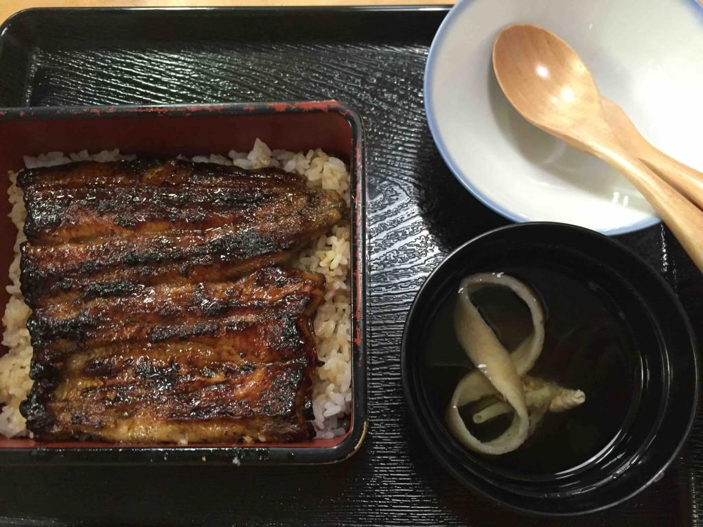 竹 2700円(関東風)は、付け合せの違いだけで、他は何も変わりません。
