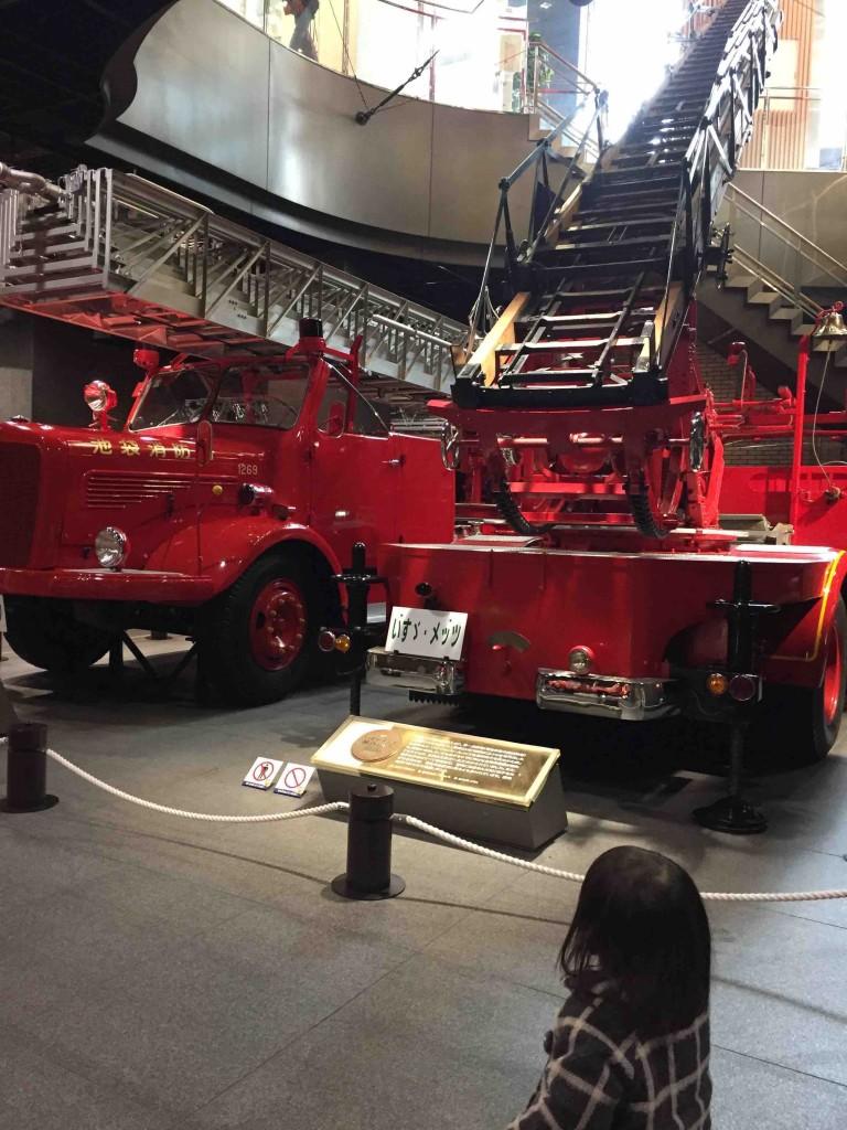 対象から平成にかけて活躍した消防車がずらり