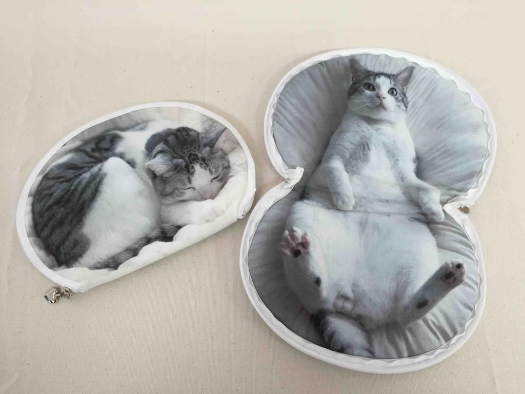 うだまさんちの猫とコラボ 「パッカーン!っと猫の開きポーチ」1400円(税抜)