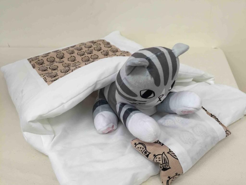 おやすみニャン かわいい寝姿を自慢できる「猫用和布団の会」3600円(税抜)