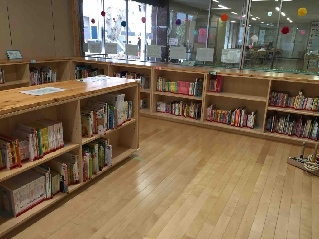3階が図書館の分室になっているので、絵本の充実度合いもハンパない!