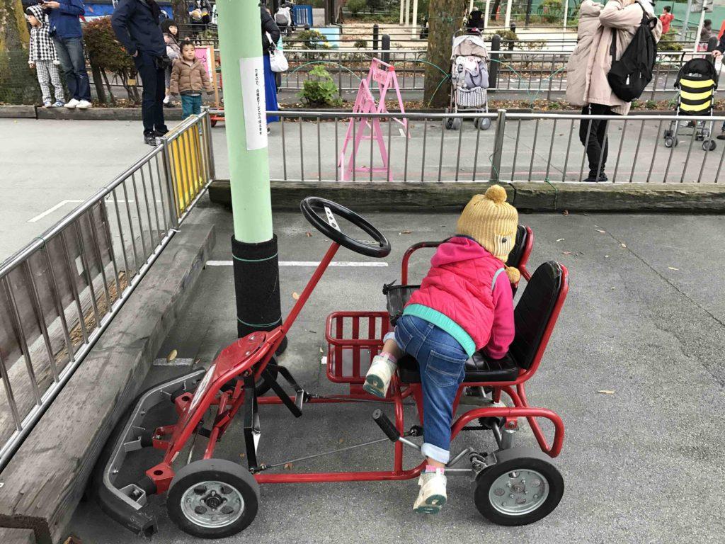 2人乗りは、基本的に「親+子ども」用。漕ぐのは大人しかできません。
