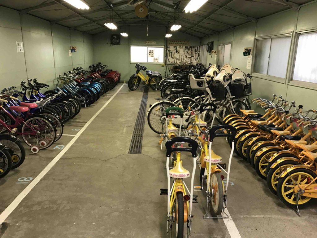 16インチの自転車は、スタンド付き15台、補助輪付き20台の計35台。
