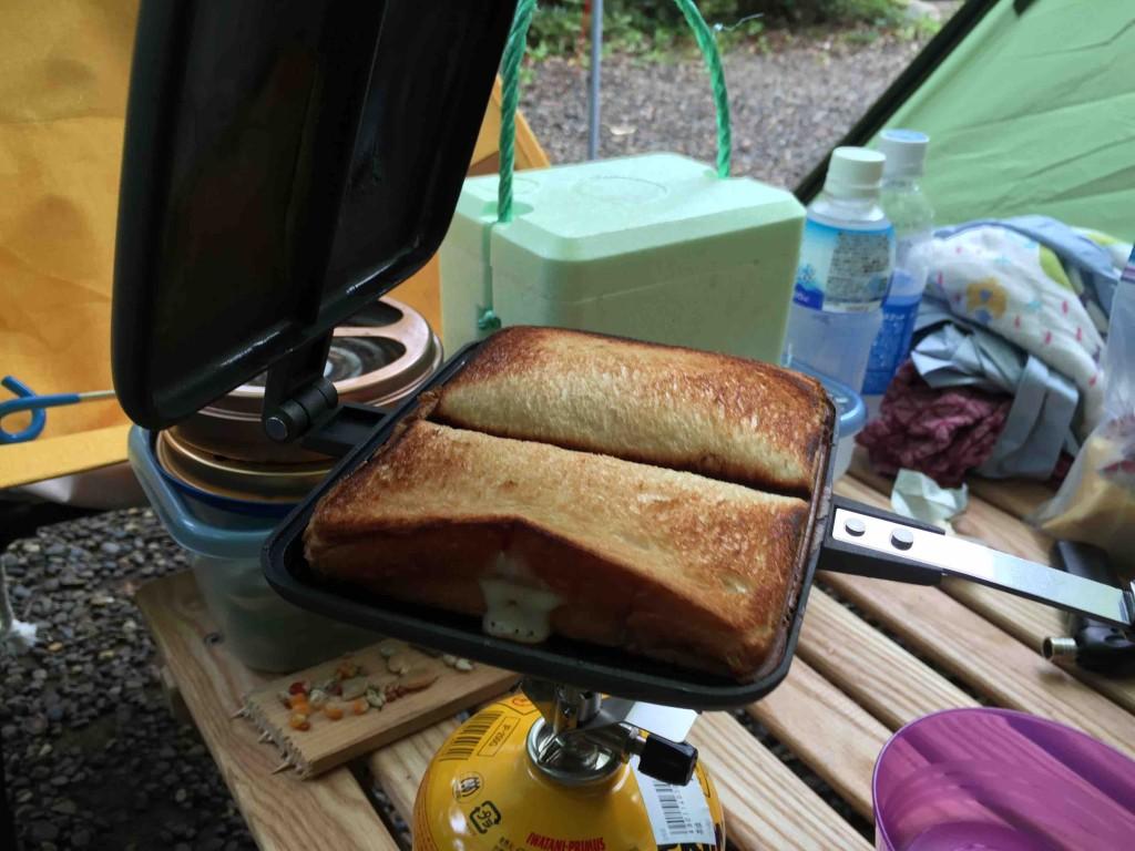 翌朝はちゃんと自力でホットサンドを作ったよ、という証拠写真(笑)